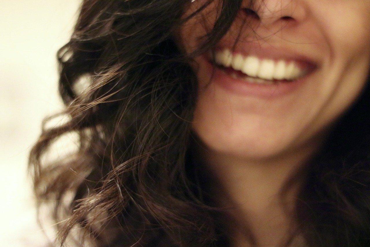 Lächeln und Lachen für unsere Glückshormone